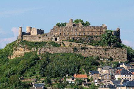 Permalink to:Location sono éclairage Séverac le château